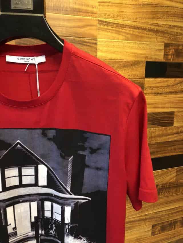 GIVENCHY纪梵希、2018春夏最新限量官网柜台同步销售房子图案T恤
