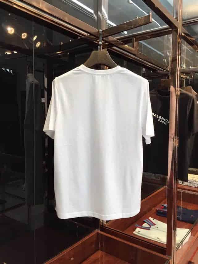 巴黎世家Balenciaga  2018ss 专柜同步发售 简单又不失时尚短袖T恤