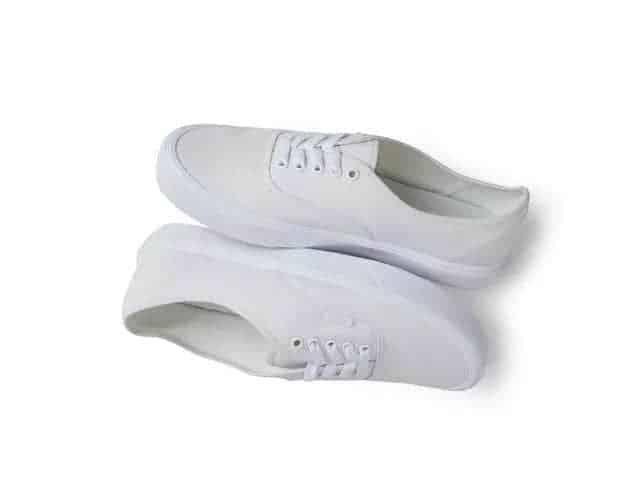 人手必备的小白鞋,请你这样搭!| YO好物