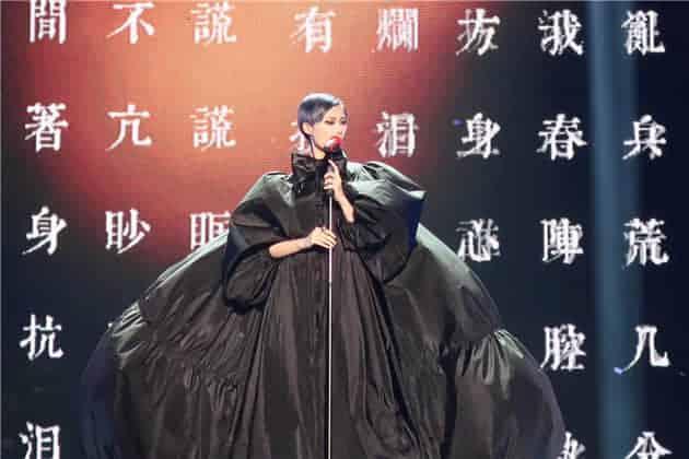 """什么叫高定级别的演唱会 李宇春""""流行""""巡演了解一下"""