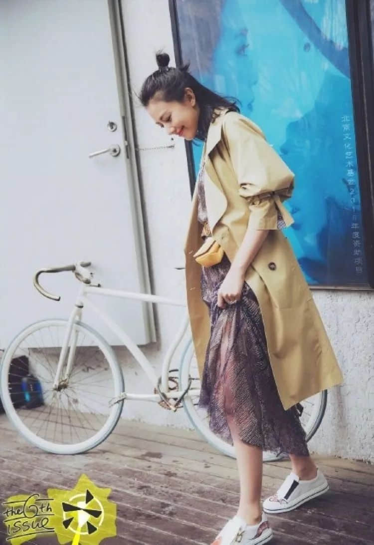 裙子+运动鞋,才是2018春夏最潮最吸睛搭配!!!