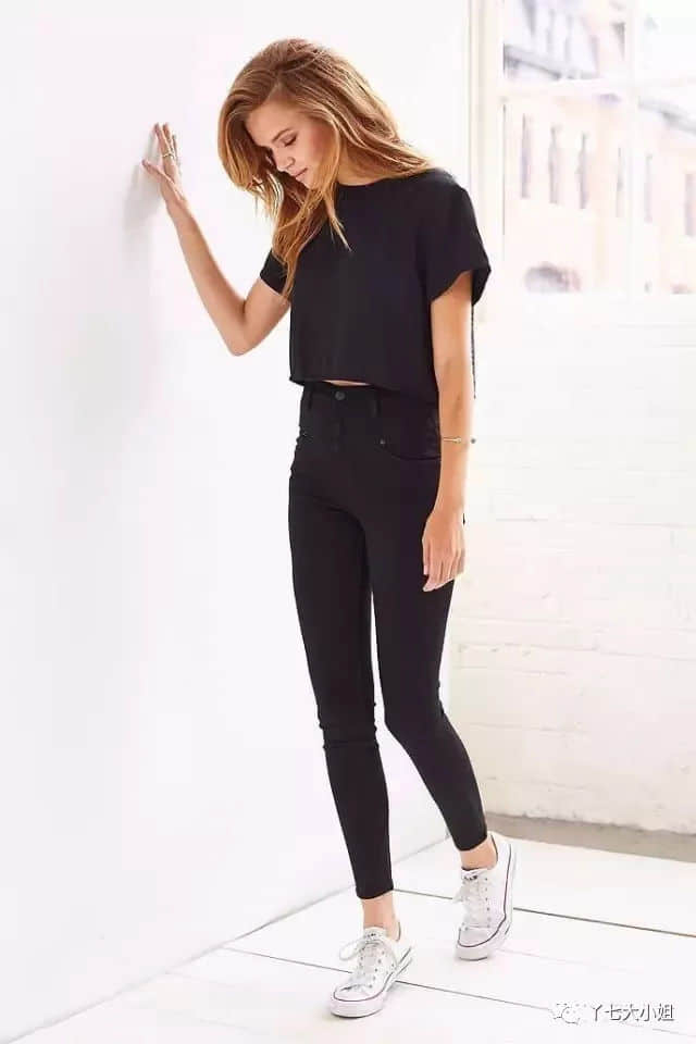 T恤+九分裤,春夏最简单的时髦公式