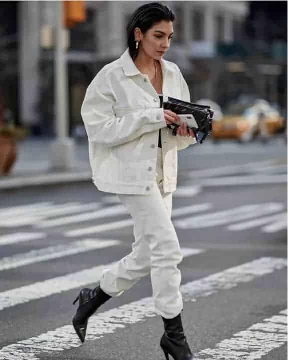最新街拍 | 刚脱下大衣,穿什么外套来过渡至夏天呢?