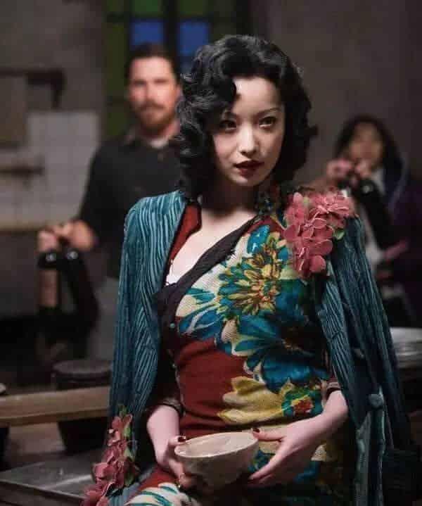 旗袍最能展现中华女性贤淑、典雅、温柔、清丽的性情!