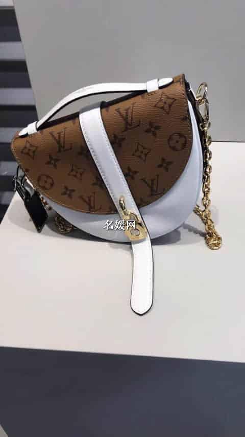 Louis Vuitton路易威登LV 挂锁饰Chantilly马鞍包M43645 M43590