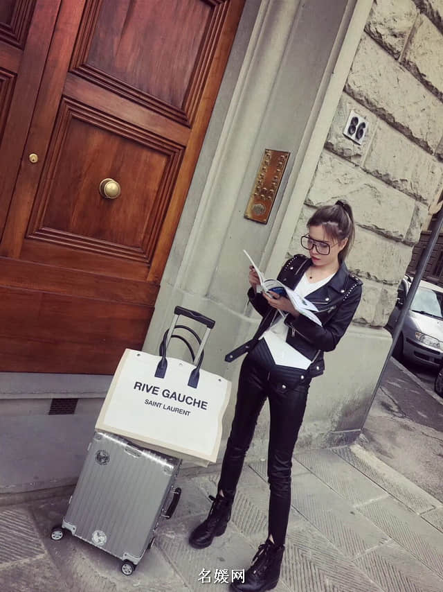 YSL/圣罗兰 18新款 woc 黑白配色 女士链条单肩斜挎包信封包377828