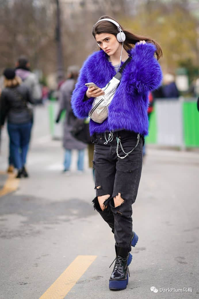 """018用大胆的紫色调装饰你的衣柜"""""""