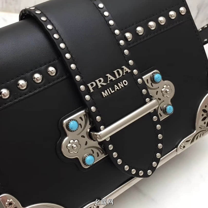 PRADA/普拉达 18新款铆钉装饰拼色 Cahier手袋  1BD045 七色