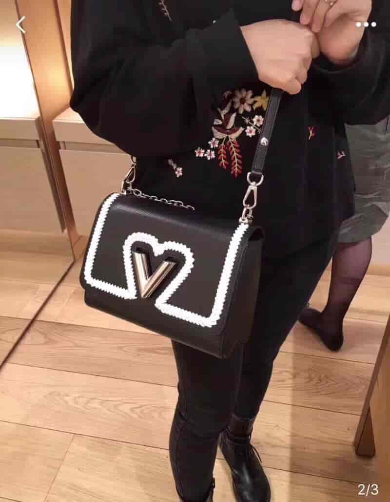 LV/路易威登 18新款 爱心形编织 Twist手袋 M54286 M53126