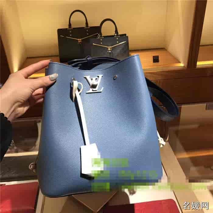 LV/路易威登 18新款 LOCKME BUCKET手袋水桶包 M51413