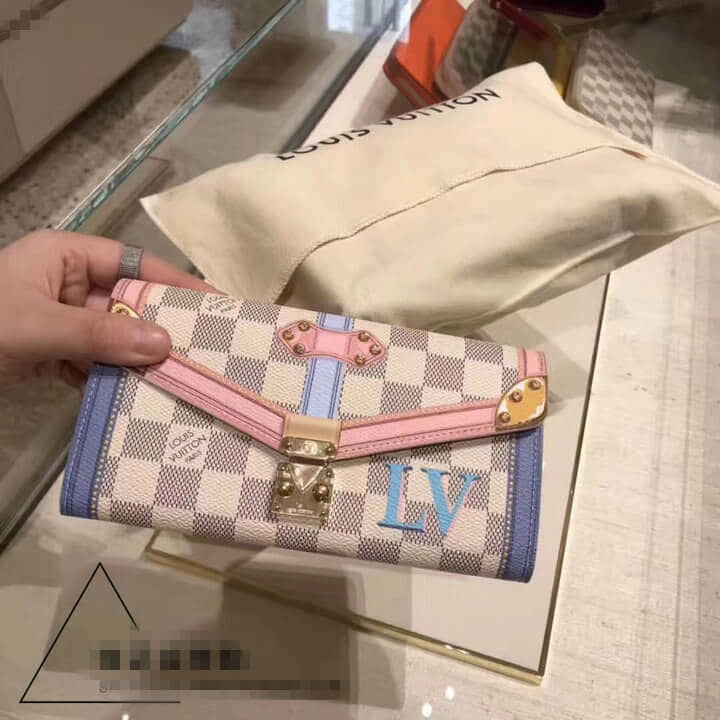LV/路易威登 18新款 Sarah錢包 N60119 旅行箱扣帶與包角圖案