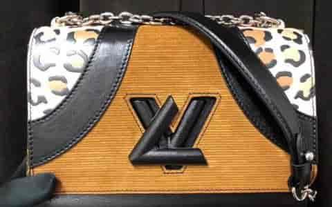 LV/路易威登 18ss新款 豹纹拼接印花Twist中号手袋 M51832