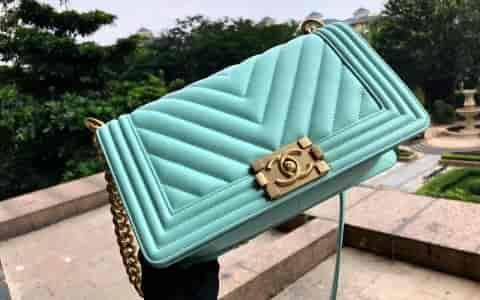 Chanel/香奈儿 18新款 正品尾皮薄荷绿V型口盖包 67086