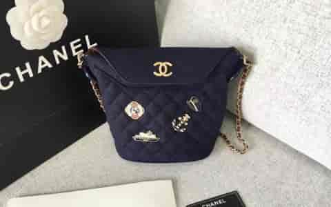 Chanel香奈儿 18年限量版汉堡系列海军蓝徽章水桶包