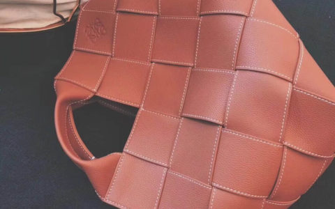 LOEWE罗意威2018新款Puzzle blker bag几何包朋克风L0160款