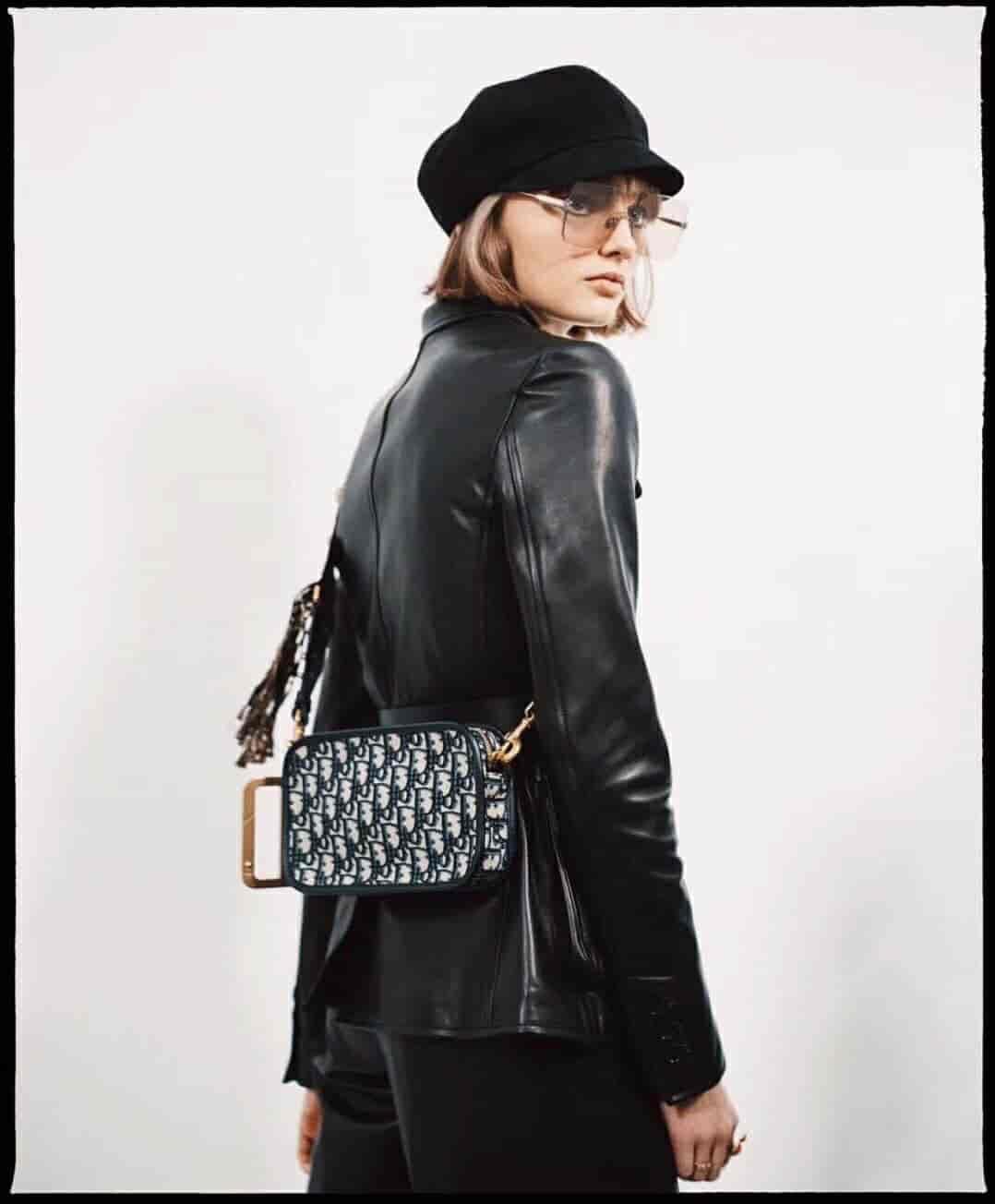 Dior/迪奥 Oblique系列D字扣五金复古相机包
