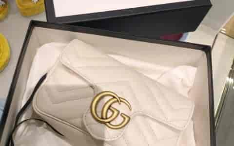 Gucci 白色super mini marmont