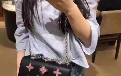 LV 饰钉花卉图案Twist中号手袋M52134 M52159 M52131