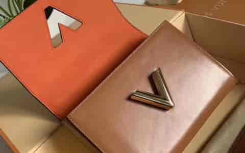LOEWE/罗意威 18新款彩布条纹Hammock small bag吊床包