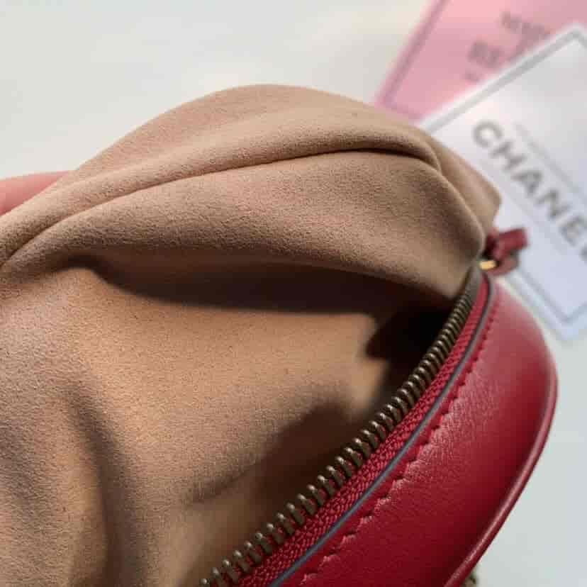 Gucci/古驰 GG Marmont系列全皮圆形迷你肩背包 550154