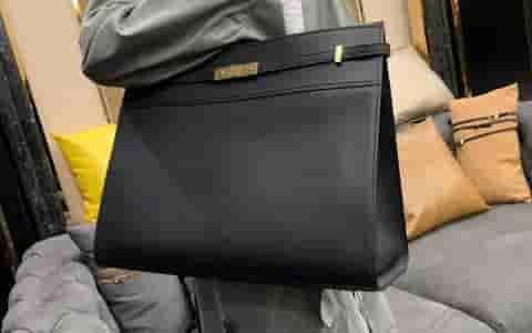 YSL/圣罗兰 MANHATTAN 中号磨面皮购物袋 553745