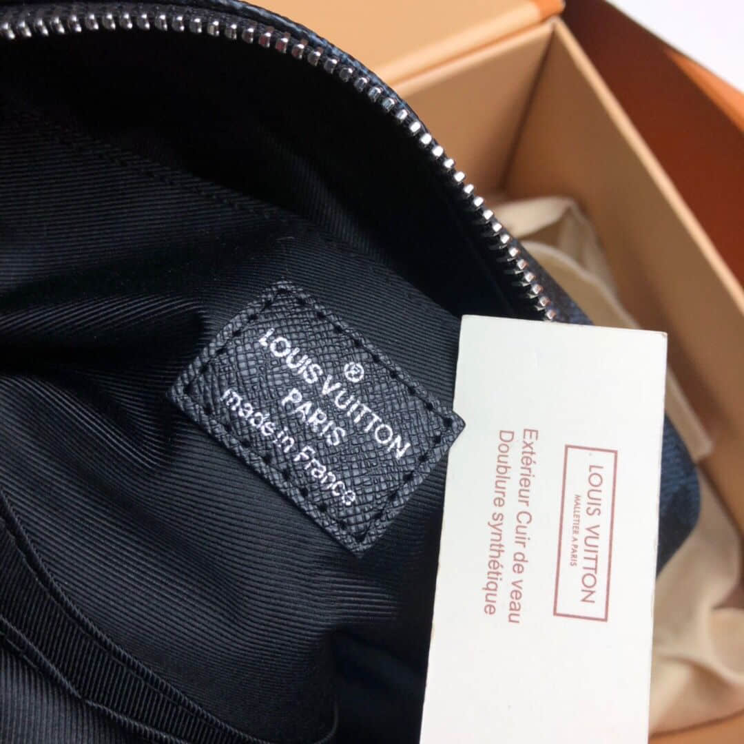 LV N50000 黑棋盘格男士盥洗袋