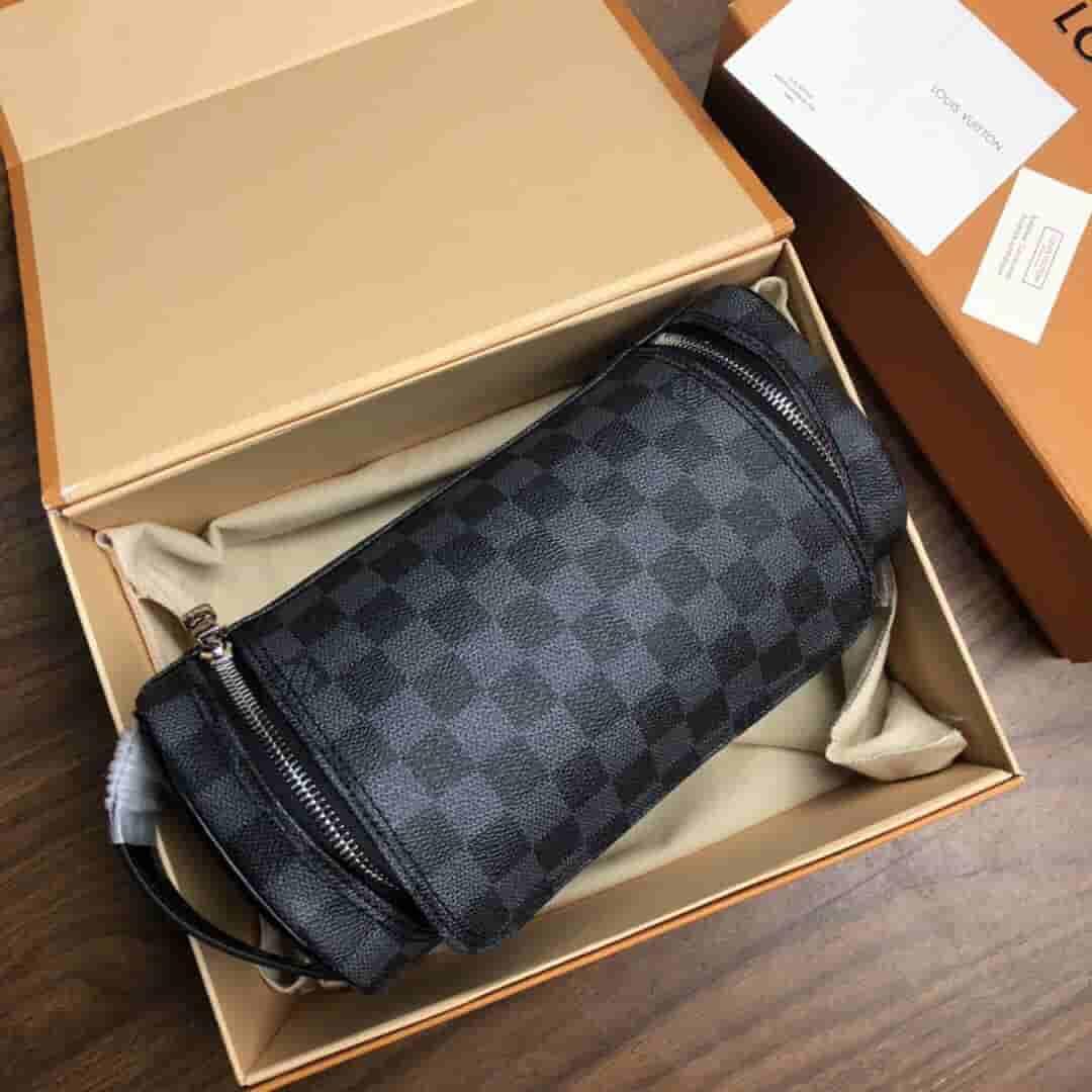 LV N47625 黑棋盘格男士盥洗袋