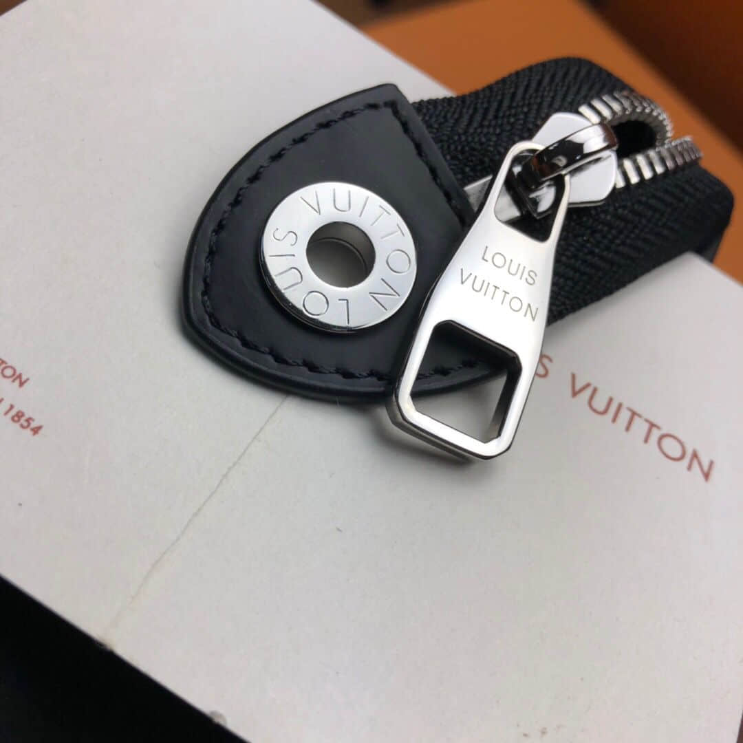 LV N41696 棋盘格VOYAGE洗刷包/手拿包