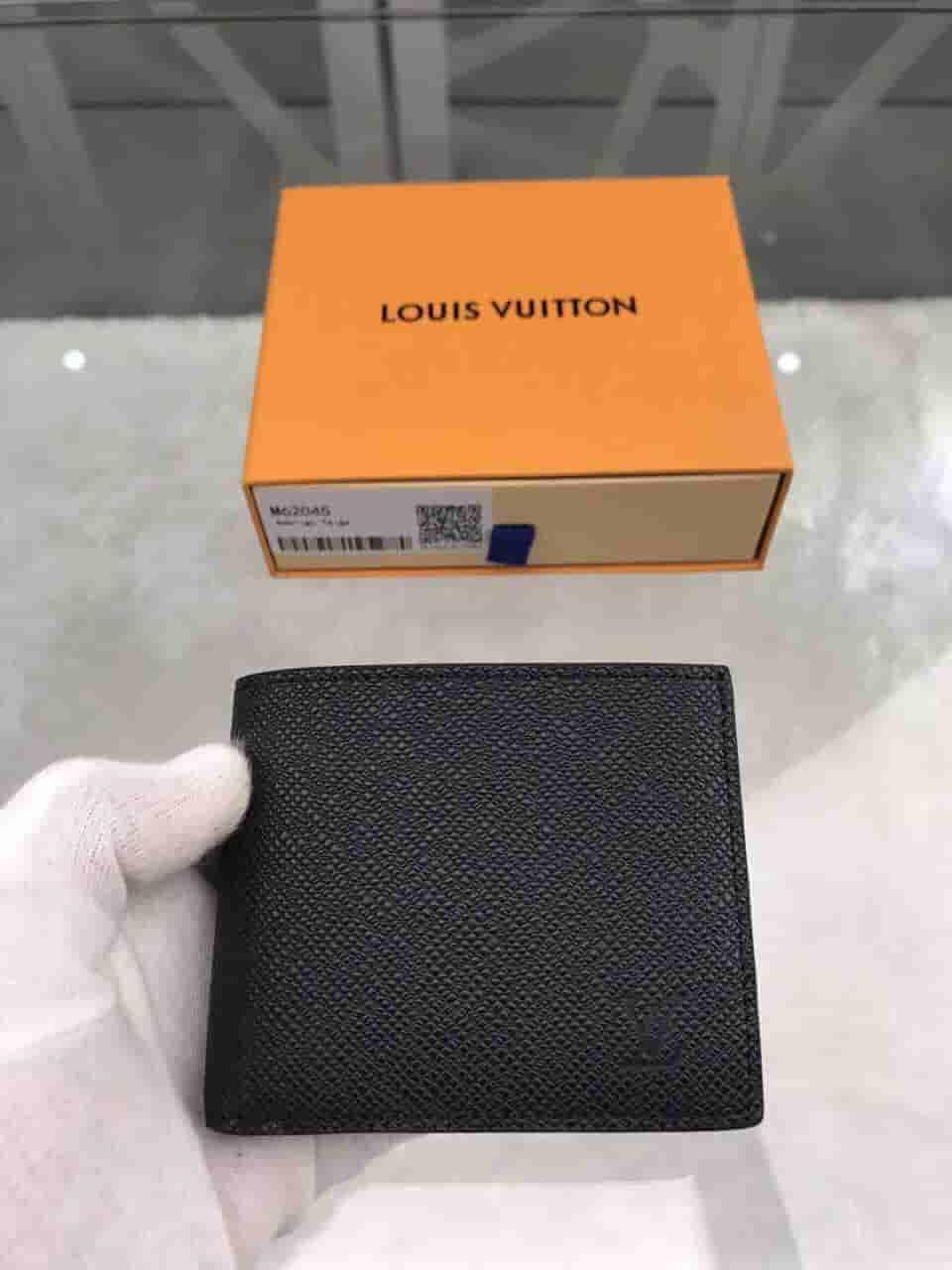 LV M62045 Taiga皮革Amerigo钱夹