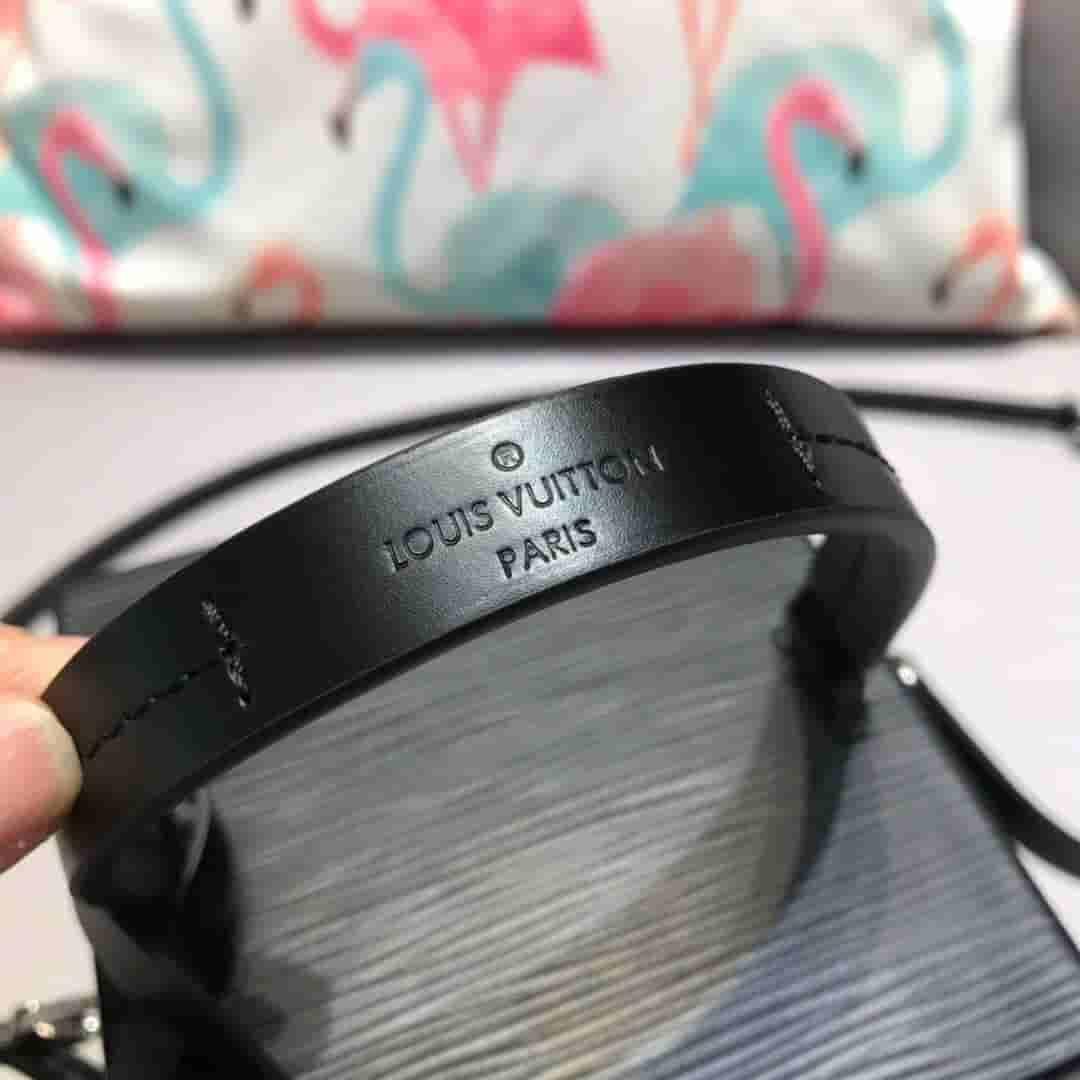 LV M52703 水波纹黑色Bleecker Box 手袋盒子包