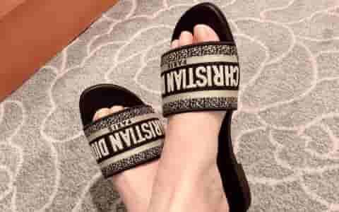 Dior/迪奥 2019新款DWAY刺绣纯棉凉鞋