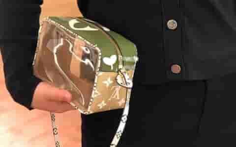 LV M67610 2019新款绿色海滩手拿包 透明PVC小方包