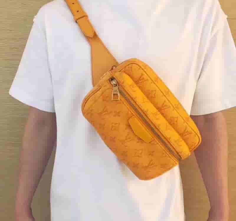 LV 2019新款橙色牛仔布Outdoor腰包胸包 M44623
