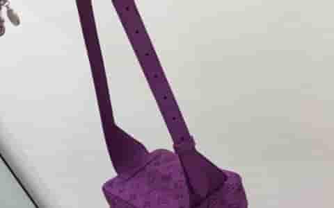 YSL/圣罗兰 经典黑色软皮腰包/胸包 505671