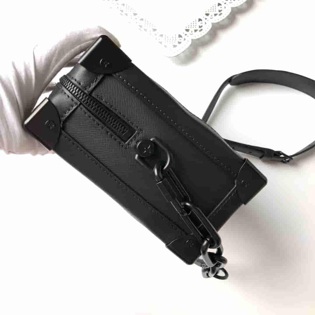 LV M30341 19限定新款SOFT TRUNK男士交叉彩条软盒子邮差包