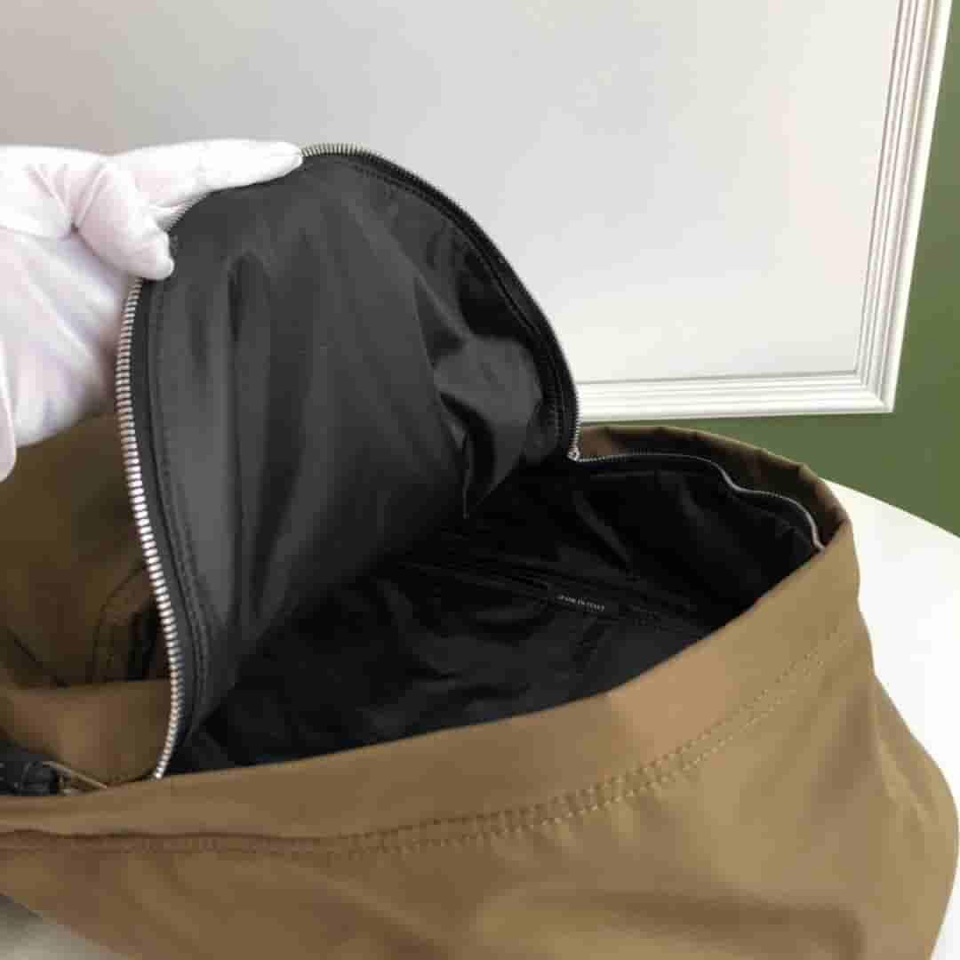 Burberry/巴宝莉 19新款徽标印花尼龙双肩包 80161101