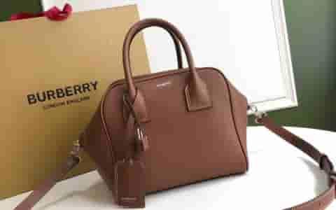 Burberry/巴宝莉 Cube – 小号棕色皮革立方包 80148701