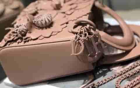 Chanel/香奈儿 18新款 新元素四叶草铁链粗跟凉鞋
