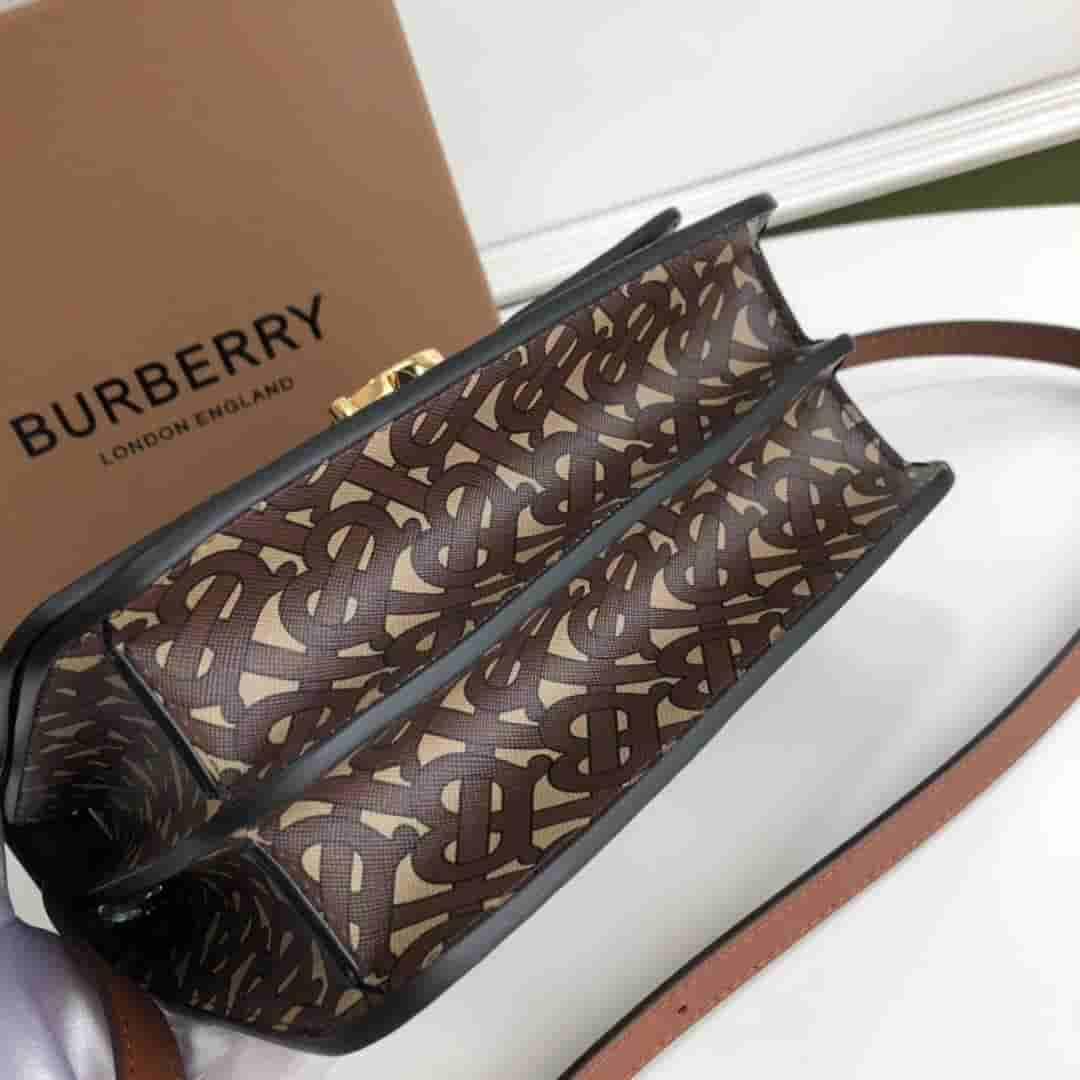 Burberry/巴宝莉 TB小号专属标识条纹环保帆布锁扣包 80193361