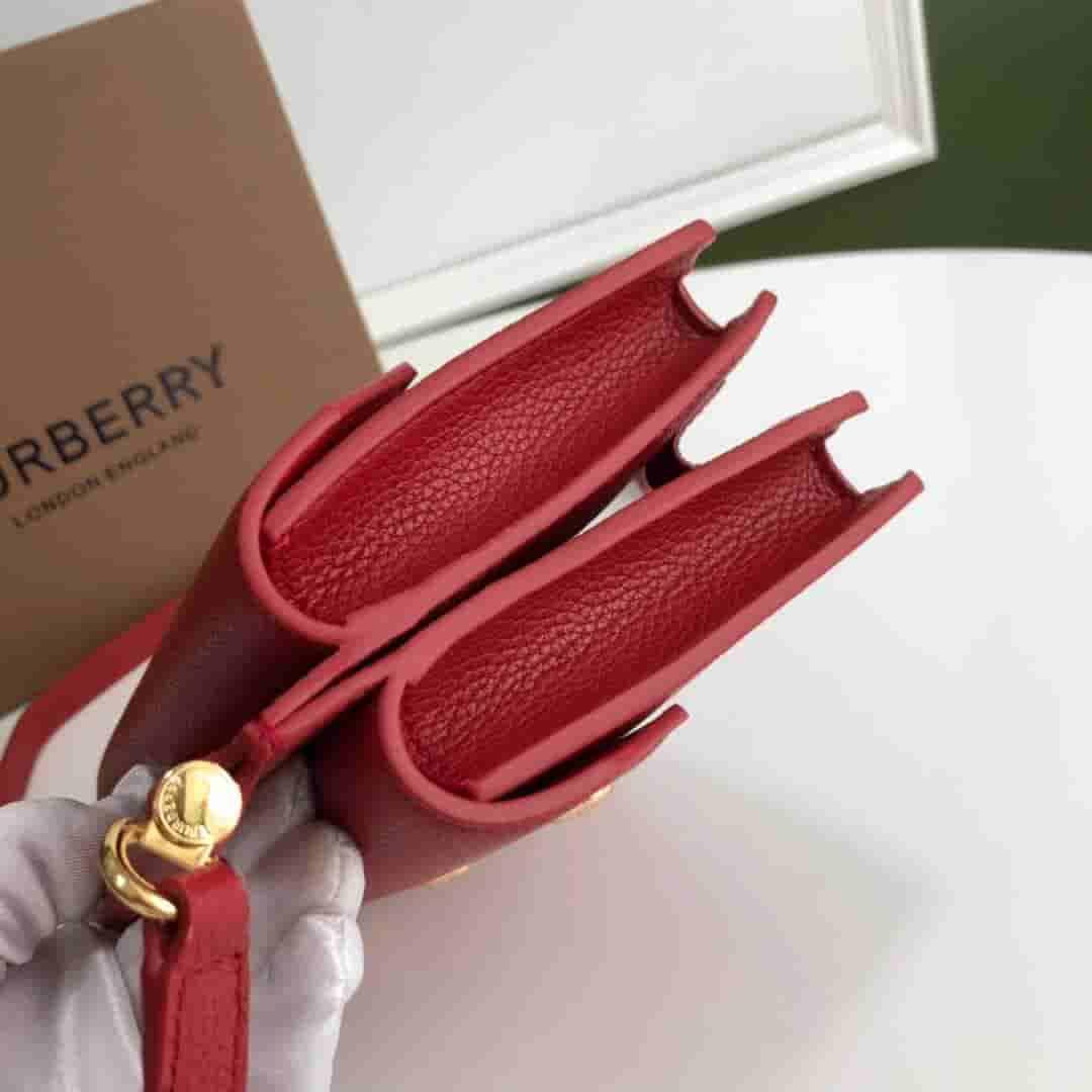 Burberry/巴宝莉 Title - 迷你口袋细节皮革泰尔特手袋 80160551