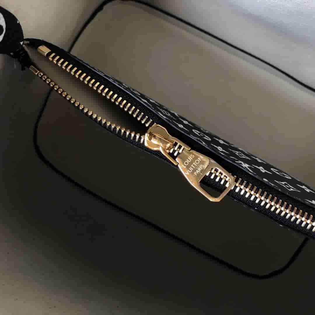 LV 丛林系列豹纹NéoNoé手袋水桶包 M44717 M44679