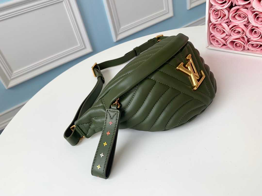LV M55528 NEW WAVE BUMBAG 腰包