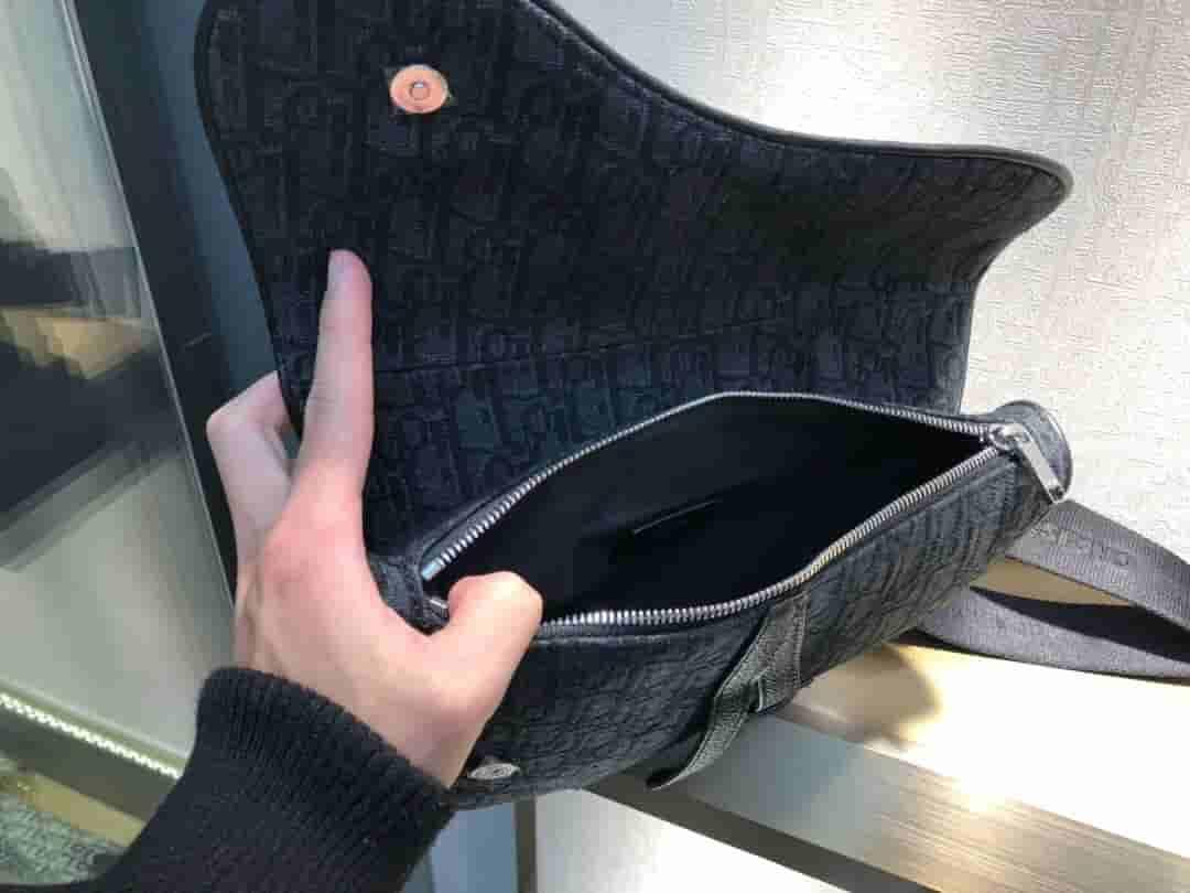 Dior/迪奥 SADDLE DIOR OBLIQUE黑色马鞍包 1ADPO093YKY_H00N