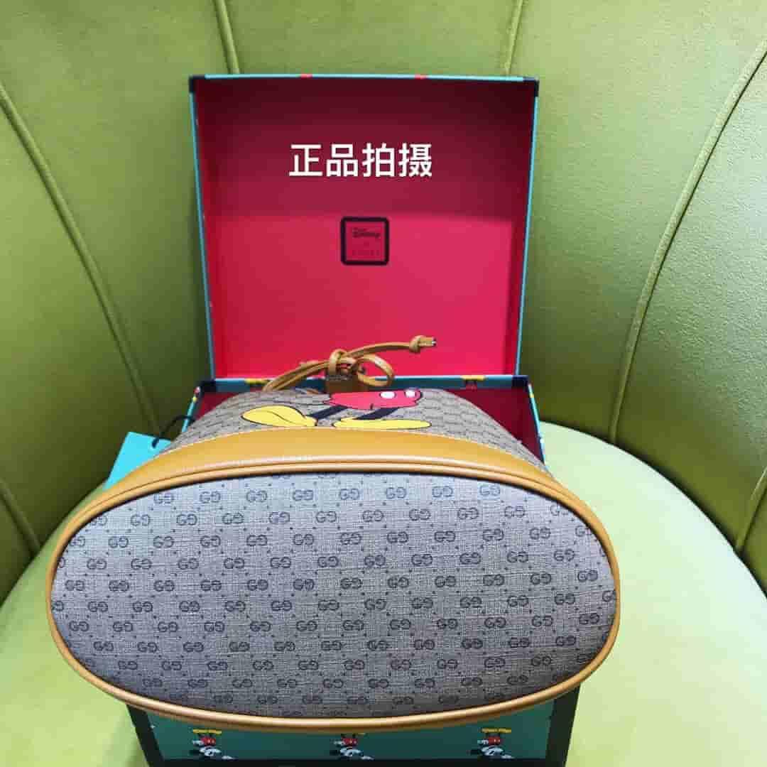 Gucci Disney迪士尼米老鼠印花水桶包 602691 HWXAM 8559