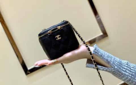 Chanel/香奈儿 迷你链子盒子化妆包 AP1340