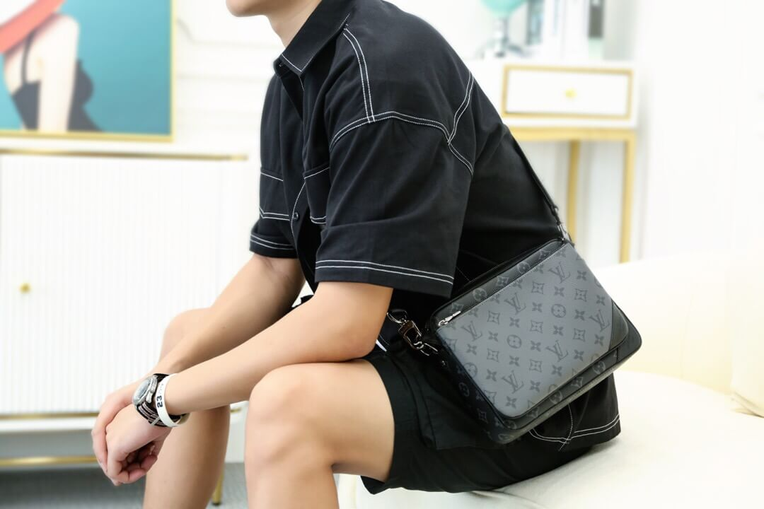 Louis Vuitton 2020ss新款男士Trio三合一邮差包 M69443
