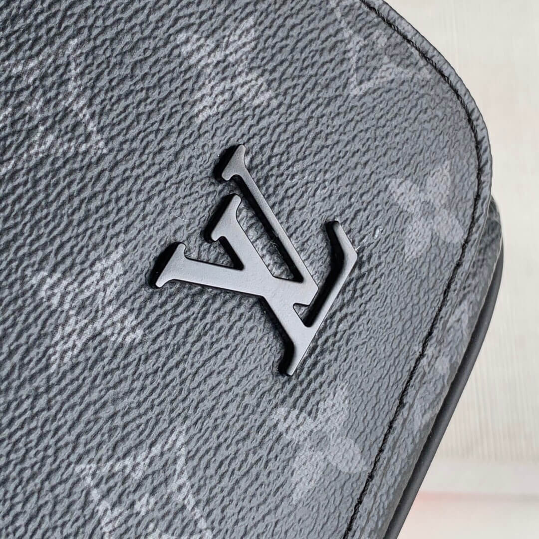 Louis Vuitton LV M45627 District 小号邮差包