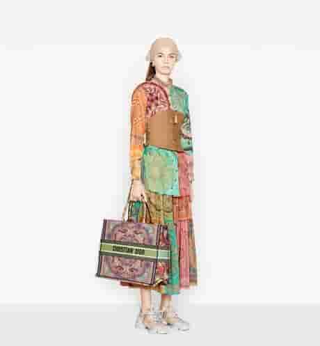 Dior 多色In Lights刺绣Book Tote购物袋 M1286ZRLE_M886