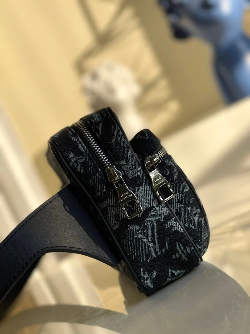 Louis Vuitton LV M57281 Outdoor 腰包