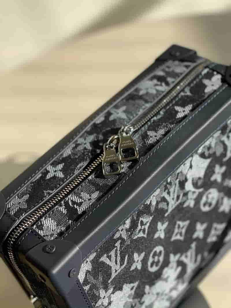 Louis Vuitton LV M57283 Soft Trunk 链条包